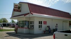 Dari Barn on Highway 6, east side of Grinnell. Popular local ice-cream stand owned and operated by a life-long Grinnellian.