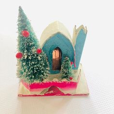 Rare Occupied Japan Christmas Putz House sometimes called Glitter Houses. Unbelievable find and it just hit my shop! $28.20 shipping link in profile youll find it under my shop section Rare Vintage. . . . #vintagechristmaswreath #vintagechristmas #occupiedjapan #midcenturychristmas #1940s #1950s #wwii #antique #postwar #vintagelove #collector