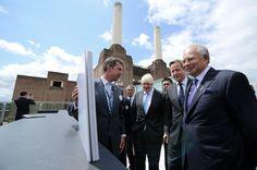 Primer Ministro de Malasia inaugura junto a su par británico David Cameron central eléctrica en Londres. Visite nuestra página y sea parte de nuestra conversación: http://www.namnewsnetwork.org/v3/spanish/index.php
