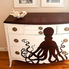 Diy Furniture octopus painted dresser – Check out these 15 Nautical Furniture Flips – DIY furniture inspiration with coastal flair. How to paint furniture for nautical and coastal home decor. -Read More – Pirate Nursery, Nautical Nursery, Girl Nursery, Pirate Bedroom, Ocean Nursery, Mermaid Nursery, Mermaid Room, Nursery Ideas, Nautical Furniture
