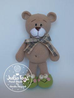 El Clasico teddy bear - crochet PDF pattern by JulioToys on Etsy https://www.etsy.com/listing/247012261/el-clasico-teddy-bear-crochet-pdf