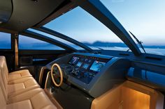 Riva Coupe 86' Domino | Helm Station
