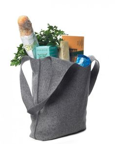 This soft felt bag is simple enough to make in multiples for shopping trips and stylish enough to use as a tote.