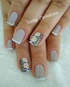 50 Beautiful Nail Art Designs & Ideas Nails have for long been a vital measurement of beauty and Acrylic Nail Designs, Nail Art Designs, Cute Nails, Pretty Nails, Hair And Nails, My Nails, Florida Nails, Nail Art For Beginners, Finger Nail Art