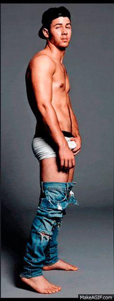 Jonas grab nick bulge