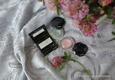 Shiseido Shimmering Cream Eye Color SV810 Tin, PK214 Pale Shell и Luminizing Satin Eye Color VI720 Ghost отзывы — Косметиста