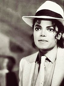 ❤❤️❤️️Michael Smooth Criminal❤️che sguardo e che occhioni ❤️❤️❤️✌️ Michael Jackson Smooth Criminal, Michael Jackson Bad, Michael Jackson Fotos, The Jackson Five, Jackson Family, Janet Jackson, Liam Neeson, Paris Jackson, Guinness