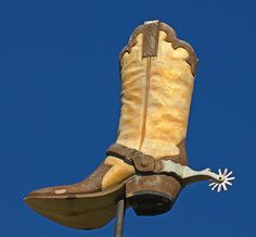 St. Joseph, Missouri. Bought many a pair of boots in St. Joe. Is the boot still there?