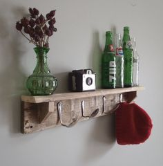 Yes, those are spoons as hat hooks. You can sprint to your craft room and make this now. #Spoons #Hooks #DIY #Shelf