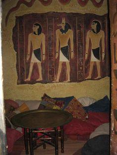 Sultan's room .
