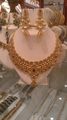 Beautiful necklace for reception