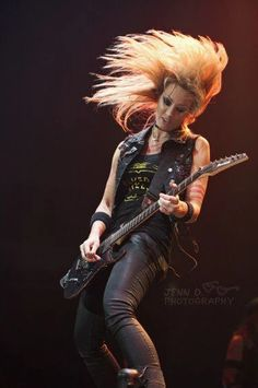 Nita Strauss, guitar player for Alice Cooper & The Iron Maidens