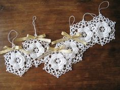 Six White Crochet Snowflake Ornaments Wall Hanging Modern Wall Art Baby Mobile Parts Home Decor Christmas Decorations