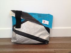 kaito, kitesurf, watersports, sports nautiques, recycled bags, sacs recyclés, tuques, beanies, kites recyclés, recycled kites