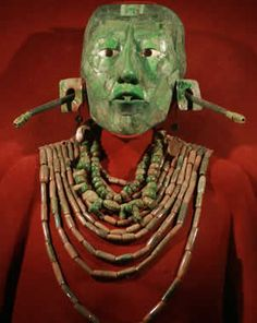 Jade mask and jewelry of a Mayan ruler Mask Face Paint, Hispanic Art, Maya Civilization, Tikal, Mesoamerican, Historical Artifacts, Le Far West, Archaeology, Native American