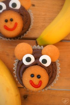 The cutest monkey cupcakes you've ever seen. Cute cupcakes for a Birthday party!