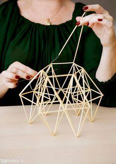 Himmeli on moniulotteinen osa suomalaista kansanperinnettä. Kotivinkin ohjeilla valmistat kauniin salmiakkihimmelin itse. Katso ohje ja toteuta! Conceptual Model Architecture, Architecture Model Making, Beaded Christmas Ornaments, Handmade Ornaments, Geometric Designs, Geometric Shapes, Toothpick Sculpture, Geometric Sculpture, Arch Model