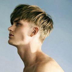 14 Trendy Short Sides Long Top Hairstyles - Hairstyles & Haircuts for Men & Women Trendy Mens Haircuts, Popular Mens Hairstyles, Haircuts For Long Hair, Popular Haircuts, Undercut Hairstyles, Celebrity Hairstyles, Hairstyles With Bangs, Haircuts For Men, Haircut Men