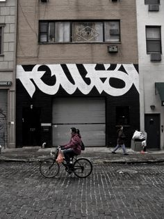 Cropped Grafitti Typography Wall Painting
