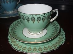 Lovely Vintage Colclough China Green Gilded Harlequin Trio Tea Cup Saucer Plate