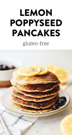 Spring into action with these Healthy Lemon Poppyseed Pancakes! A pancake recipe made with wholesome ingredients including oat flour poppyseeds and maple syrup that will make you feel great about your next brunch. Healthy Spring Recipes, Easy Delicious Recipes, Healthy Breakfast Recipes, Pancake Recipes, Healthy Breakfasts, Healthy Summer, Yummy Yummy, Summer Recipes, Vegan Smoothies