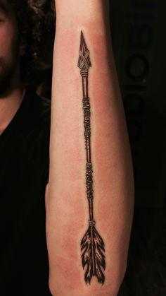 64 New Ideas For Tattoo Arrow Arm Men Native American Indian Arrow Tattoo, Native American Arrow Tattoo, Mens Arrow Tattoo, Indian Feather Tattoos, Arrow Tattoo Design, Arrow Tattoos, Arrow Design, Forarm Tattoos, Finger Tattoos