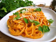Roasted Red Pepper and Goat Cheese Alfredo | The Food Charlatan