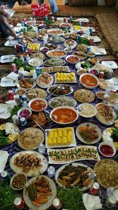 My mom's house Lebanese Recipes, Indian Food Recipes, Ethnic Recipes, Kurdish Food, Iran Food, Iranian Cuisine, Food Fantasy, Ramadan Recipes, Middle Eastern Recipes