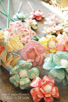 Paper Maché Flowers - pocket full of posies party.... arame forrado, técnica meia de seda ???