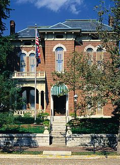 Set foot into the James Whitcomb Riley Museum Home and step back to the beginning of the 20th century—just as the great Hoosier poet James Whitcomb Riley experienced it for 23 years of his fascinating life.