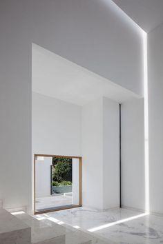 Indirechte verlichting onzichtbaar toegepast in strakke architectonische lichtlijn #verlichting #lichtlijn #architectuur