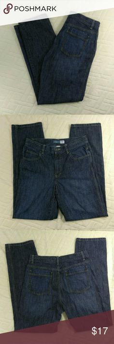 """Liz Claiborne Straight Fit Jeans Womens Size 8 Excellent used condition, no noted flaws. Light to moderate washed look. Women's size 8. 100% Cotton. Machine wash. Aprox. laying flat measurements: 16"""" waist, 32"""" inseam, 10.5"""" frontrise, 17"""" backrise, 42.5"""" long.  Remember to bundle up and save, so check my closet for more treasure finds. Liz Claiborne Jeans Straight Leg"""