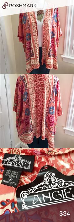 Colorful Boho Shruggy 🌈🌷🌈🌷 Lively colors and pattern. Pairs with everything for a fun Boho vibe. New w Tags 🦋🦋🦋 Angie Tops