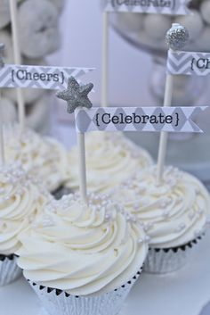 Cupcakes at a Silver and White New Year's Eve Party #silver #newyears