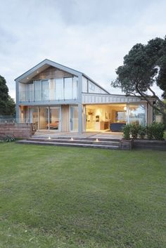 Great frontage - so much light & space!