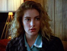 Still of Mädchen Amick as Shelly Johnson in Twin Peaks (1990)