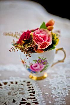 Teacup flowers by Hanako. Vintage Cups, Vintage China, Vintage Tea, Wedding Table Centres, Wedding Table Centerpieces, Teacup Flowers, Wedding Cups, Wedding Favors, Wedding Ideas