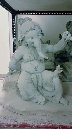 Shri Ganesh Images, Ganesh Chaturthi Images, Ganesha Pictures, Clay Ganesha, Ganesha Art, Ganesh Lord, Sri Ganesh, Om Gam Ganapataye Namaha, Kali Hindu