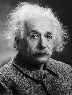 Albert Einstein fue un físico alemán de origen judío, nacionalizado después suizo y estadounidense. Es considerado como el científico más conocido y popular del siglo XX.