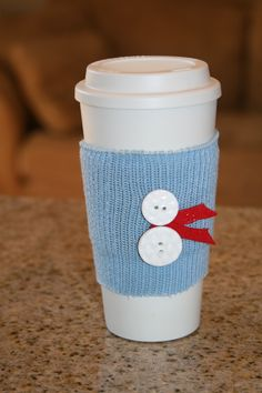 24 Days to a Homemade Christmas :: Day 13 ~ Cute, Homemade Coffee Cozy Diy Projects To Try, Craft Projects, Christmas Bazaar Ideas, Coffee Cup Sleeves, Bazaar Crafts, Coffee Crafts, Coffee Cozy, Homemade Christmas, Crafts To Sell