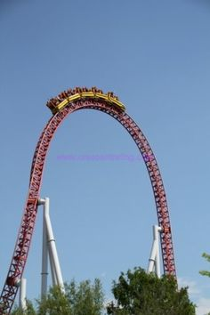 Hershey Park, Pennsylvania - USA storm runner. || Love this ride, but gives you a kink in your neck afterwards.