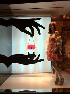 Del Carmen by Sarruc: Como decorar a vitrine de uma loja de bolsas