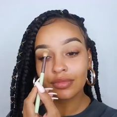 makeup video Her skin is flawless! ladies womens fashion lady woman DIY videos tutorial make lipstick makeup lover cosmetics lips eyes looks divas Dark Skin Makeup, Lip Makeup, Natural Makeup, Brown Lipstick Makeup, Teen Makeup, Contouring Makeup, Make Makeup, Prom Makeup, Drugstore Makeup