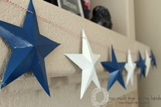 Upcycled Cereal Box Stars :: Hometalk - what a neat idea to do with the kids… Americana Crafts, Patriotic Crafts, Patriotic Decorations, Christmas Decorations, Holiday Decor, Diy Christmas Lights, Christmas Crafts, Diy Paper, Paper Crafts