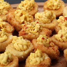 Deep-Fried Deviled Eggs These Six Delicious Party Appetizers Are Perfect For Your Next Get-Together Deep Fried Egg, Deep Fried Deviled Eggs, Yummy Appetizers, Appetizers For Party, Appetizer Recipes, Deep Fried Recipes, How To Cook Eggs, Appetisers, Cooking Recipes