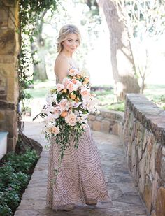 Throwing Shade Colorful Bouquets - Shades of Peach   Floral: 21 Parc Floral & Events   Dress: Bella Bridesmaids   Photography: Tracy Autem & Lightly Photography   Hair + Makeup: Grand Slam Glam #bridesofnorthtx #wedding #bouquet