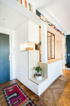 Customized-made, practical and fashionable hallway furnishings, made by Hopfab artisans! Hallway Decorating, Interior Decorating, Interior Design, Modern Hallway Furniture, Hall Interior, Bts, Artisans, Beautiful Homes, Room Decor