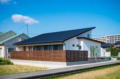 伊予郡砥部町 Humble House, Resort Villa, Dream House Exterior, Outdoor Living, Outdoor Decor, Japanese House, Pool Houses, Traditional House, My Dream Home