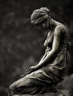 This is beautiful. #tombstone #cemetery statue