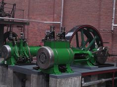 Cross-compound Robey steam engine, close-up of cylinders, Bolton museum - Compound steam engine - Wikipedia